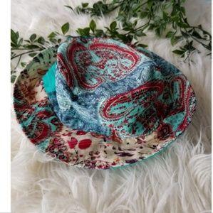 NWOT paisley bucket hat